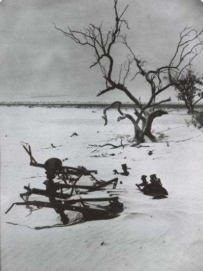 The Argus, landscape, near Swan Hill, 1945, (SLV)